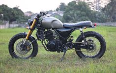 motomood: Kawasaki Ninja 250 by Studio Motor