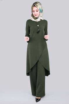 6 Dress Designs For Women Pakistani Tesettür Tunik Modelleri 2020 Modest Fashion Hijab, Abaya Fashion, Women's Fashion Dresses, Dress Outfits, Muslim Women Fashion, Islamic Fashion, Rock Chic, Glam Rock, Modest Dresses