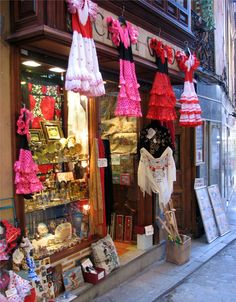 My favorite little souvenir shop in Toledo, Spain! My sister bought a lot of coin purses here, Great little shop. Toledo Madrid, Toledo Spain, Great Places, Places Ive Been, Spanish Pronunciation, Spain Culture, Spanish Courses, Spain Images, Senior Trip