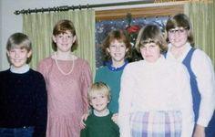 27 Funny & Awkward Family Christmas Photos