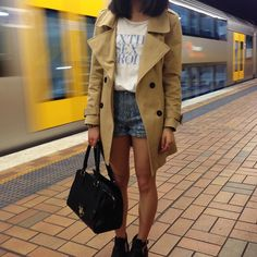 Slogan Tee, Snakeskin Shorts, Trench, Black Bag