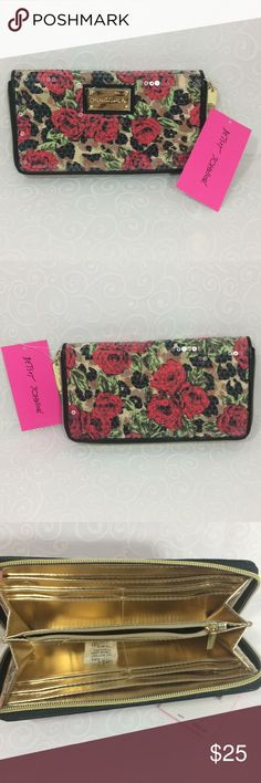 """NWT Betsy Johnson rose print sequin clutch """"4.5x8 🌹Absolutely gorgeous NWT Betsy Johnson rose print sequin clutch. Gold zipper tab, zipper and interior. Sequins cover a lovely rose floral pattern. Front plate still covered in protection plastic. Just think how this could elevate your LBD! """"4.5x8"""" Betsy Johnson Bags Clutches & Wristlets"""
