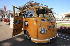 Rikki's bus by zombikombi1959, via Flickr
