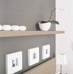 L'association d'une peinture grise avec une couleur taupe et du blanc, On l'adore dans le salon pour une ambiance zen ! © Peinture V33