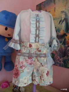 coser es fácil...: flores de primavera.... Apron, Fashion, Spring Flowers, Sew, Moda, Fashion Styles, Pinafore Apron, Fashion Illustrations, Aprons