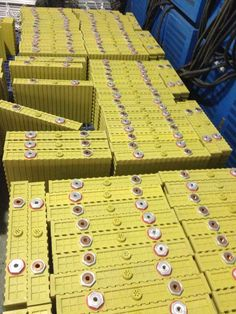400Ah Winston Battery LiFePO4 in stock for sales http://www.evlithium.com/Winston_Battery.html