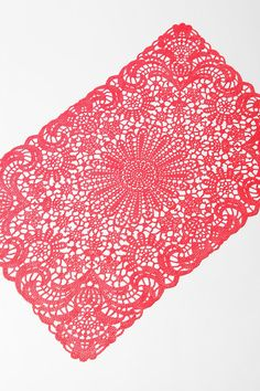 kitchens, urban outfitters, white, doili placemat, doilies, cutest placemat