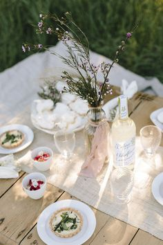 The perfect spring picnic setup.