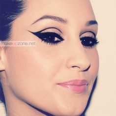 dramatic eyeliner by Makeupzone Makeup Geek, Makeup Inspo, Makeup Inspiration, Makeup Ideas, Eyeliner Designs, Eyeliner Styles, Eyeliner Ideas, Dramatic Eyeliner, Best Eyeliner