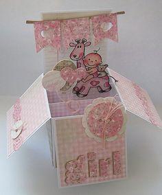 It's a girl! - Voor wie de cursus 'Kaarten en kado-envelopjes maken' bij Marjolein Zweed Creatief heeft gedaan. Deze babykaart is ook een leuke variant op de doosjes-kaart.