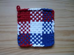 Red White and Blue Checkboard Color Block Vintage Style Woven Cotton Loop Loom Potholder Retro Modern Kitchen