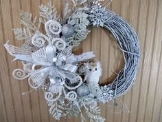 Winter Wreath, White Wreath, White Owl Wreath, Traditional Wreath, Christmas Wreath, Holiday Wreath, Front Door Wreath, Entry Wreath, Decor - pinned by pin4etsy.com