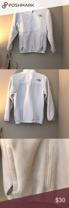 The North Face Fleece Girls Large fits XS Used.  Some discoloration as noted in pictures.   ✨It is a large in girls, but fits me, and I'm usually an XS/S. ✨  Smoke Free Pet Free The North Face Jackets & Coats