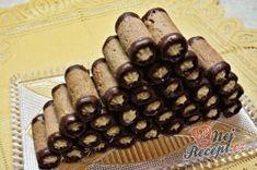 Babiččiny trubičky s karamelovým krémem Snacks To Make, Easy Snacks, Trifle Desserts, Delicious Desserts, Cookie Recipes, Dessert Recipes, Christmas Desserts, Cake Cookies, Fall Recipes