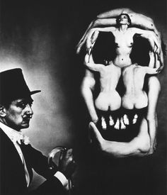 Salvador Dalí portrait, In Voluptas Mors In Voluptas Mors, a surrealistic portrait of Dali beside a large skull, in fact a tableau vivant composed of seven nudes. Halsman took three hours to arrange the models according to a sketch by Dali. Man Ray, Salvador Dali, Photos Folles, Philippe Halsman, Foto Art, Magnum Photos, Memento Mori, Brigitte Bardot, Optical Illusions