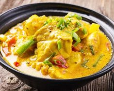 Monkfish Colombo with thermomix. Discover this Monkfish Colombo recipe, simple and easy to prepare at home with the help of your thermomix. Coconut Fish, Coconut Milk Curry, Thai Coconut, Curry Recipes, Fish Recipes, Best Thai Dishes, Eat Thai, Pollo Guisado, Masterchef