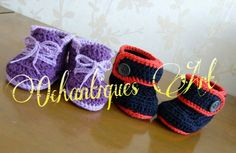 Pattern by @cpaterns  : purple : little runners, black-red : warm toes