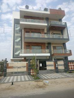 Gurgaon 3 Storey House Design, Bungalow House Design, House Front Design, Small House Design, Modern Bungalow, Modern Exterior House Designs, Exterior Design, Rooftop Design, House Design Pictures