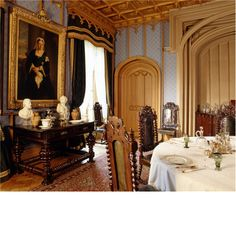 Hughenden Manor ~ the dining room in home of prime minister Benjamin Disraeli between 1848 and 1881 English Manor, English House, English Style, French Style, Belton House, Harewood House, Victorian Homes, Victorian Interiors, French Interiors