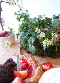 We Like It Wild Strawberry Chocolate Mint Wreath Centerpiece