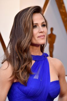 HOLLYWOOD, CA - MARCH 04:  Jennifer Garner attends the 90th Annual Academy Awards at Hollywood