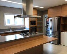 eletrodomésticos para cozinha - cozinha em madeira - Ark2 Arquitetura Kitchen Cabinets, Table, Furniture, Home Decor, Timber Kitchen, Best Fridge Freezer, Best Multi Cooker, Kitchen Built Ins