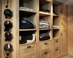 Sadelkammare love this tack room for our barn!