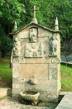 Fonte do Santiaguiño (Vedra, A Coruña). Fuente vinculada al Camino de Santiago, y situada en el último tramo de la Vía de la Plata.