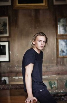 Jamie Campbell Bower--playing Jace in The Mortal Instruments movies! Jamie Campbell Bower, James Campbell, The Mortal Instruments, Gellert Grindelwald, Shadowhunters, City Of Bones, Film Serie, Cassandra Clare, Gorgeous Men