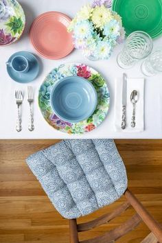 Spring Table Setting featuring our Tibet Mandalas Blue Dining Chair Cushion. This subtle mandala pattern is in navy blue on an creamy white background. This floral tile pattern is perfect for your bohemian decor or can be a subtle accent for a contemporary dining room. These chair cushions are reversible, 100% cotton, and machine washable. Our chair pads are made in the USA by Barnett Home Decor and latex foam filled so they will not go flat. Grey Dining Room Chairs, Dining Room Chair Cushions, Chair Leg Floor Protectors, Comfortable Living Room Chairs, Mid Century Modern Kitchen, Transitional Decor, Diy Chair, Fabric Decor, Modern Chairs