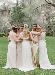 10 Wedding Photos Every Couple Should Take {gorgeous bridesmaids photo}