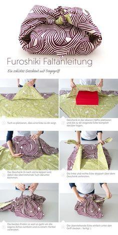 Nicht nur als Geschenk hervorragend geeignet. Du kannst auch deine Bücher auf diese Weise einpacken und durch den praktischen Tragegriff überall mit hin nehmen. #Furoshiki #FuroshikiTuch #Furoshikikaufen #FuroshikiTasche #Verpackungsideen #DIY #Geschenkeumweltfreundlichverpacken #Oryoki #OryokiShop #Japanshop #GeschenkmitTragegriff #FuroshikimitTragegriff #Tutorial #FuroshikiTutorial #FuroshikiWrapping Creative Gift Wrapping, Present Wrapping, Wrapping Ideas, Japanese Wrapping, Furoshiki Wrapping, Origami Bag, Gift Wrapper, Sustainable Gifts, Produce Bags