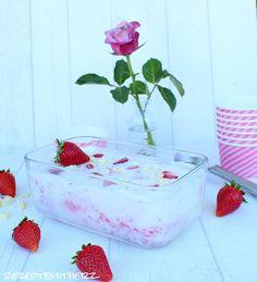 Rezepte mit Herz   ♥: Vanille Eis mit Erdbeeren & weisser Schokolade