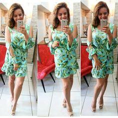 Vestido floral para começar bem a semana!  Tecido super fresquinho para arrasar na primavera/verão 2018 #temqueter  #macsboutique #misschille #primaveraverao #tendência #blogueira #blog #otdn #instamoda #instalooks #instafashion #voguebrasil