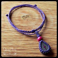 Collar macramé con piedra de mar engarzada  #macramé #collar #morado #fucsia #piedra #mar #diseño
