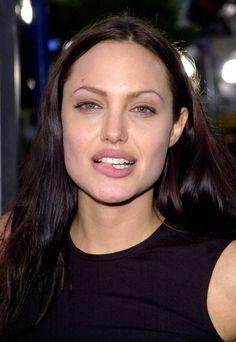 Angelina Jolie A Heart Throb. Angelina Jolie Pictures, Angelina Jolie Photos, Jolie Pitt, Le Jolie, Actrices Sexy, Foto Art, Grunge Hair, Most Beautiful Women, Movie Stars