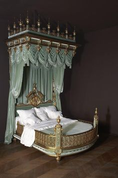 State bed of Valtesse de la Bigne, Édouard Lièvre Paris, c. Victorian Furniture, Unique Furniture, Castle Bedroom, Bed Crown, Antique Beds, Dreams Beds, Luxurious Bedrooms, Bedroom Decor, Inspiration