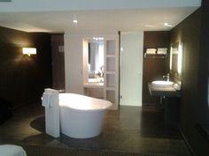 Vrijstaand bad in Hotel van der Valk