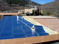 subflor insulation and strawboard walls