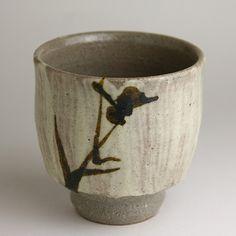 陶芸家 濱田庄司(人間国宝) 益子焼販売 善五 Hand Painted Pottery, Slab Pottery, Pottery Painting, Ceramic Pottery, Ceramic Bowls, Ceramic Mugs, Ceramic Art, Japanese Ceramics, Japanese Pottery