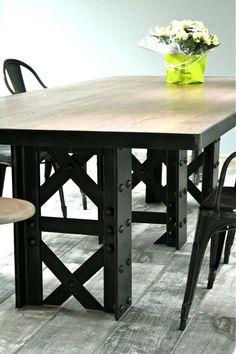 "Table industrielle ""EIFFEL""                                                                                                                                                                                 Plus"
