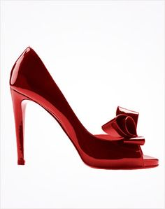 Valentino Couture Bow d'Orsay Pump  Okay, I would never ever wear these but they just look like a work of art ;)