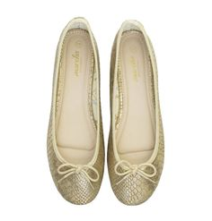 Sunflower Marchas feature gold synthetic leather uppers with Marcha printed lining and a nude polyurethane insole. They offer any little girl just enough sparkle to feel like a princess! Ballerina Flats, Chanel Ballet Flats, Cute Woman, Lady, Leather, Shoes, Women, Fashion, Walking Gear