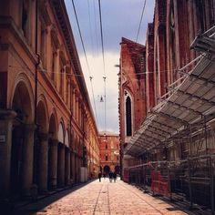 Cut in half   San Petronio, Bologna