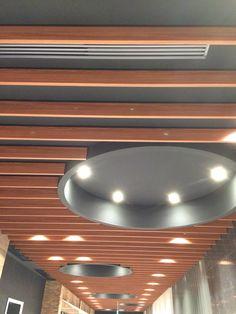 共用通路の天井からは常に音楽が流れています!あしたのじぶんじゅんびして~♪ #VEGAS1200 #会員募集 #20150228