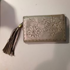 ⭐️ wallet ⭐️ Gently used. Feel free to make an offer or bundle! Bags Clutches & Wristlets
