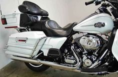 Used 2013 Harley-Davidson FLHTCU Motorcycles For Sale in Arizona,AZ. 2013 Harley-Davidson FLHTCU, Engine Four stroke, V-Twin, 'Twin Cam 96' Capacity 1690 Bore x Stroke 98.4 x 111.1 mm Cooling System Air cooled Compression Ratio 9.6:1 Induction Electronic Sequential Port Fuel Injection (ESPFI) Ignition Single-fire, non-wasted, map-controlled spark ignition Starting Electric Max Torque 134 Nm / 98.8 ft. lbs @ 3500 rpm Transmission 6 Speed Final Drive Belt Gear Ratio 1st 9.312 9.312 9.312 2nd…