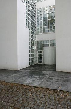 Richard Meier - Pinned by www.modlar.com