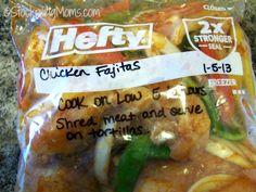 Crockpot Chicken Fajitas is a great crockpot freezer meal! #freezermeal #crockpot #slowcooker