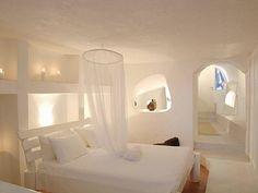 Mansion Sophia living room - Picture of Ducato - The Wine Hotel, Megalochori - Tripadvisor White Bedroom, Two Bedroom, Bedroom Ideas, Greek Bedroom, Bedroom Designs, Master Bedroom, Bedroom Decor, Bauhaus, Santorini Villas